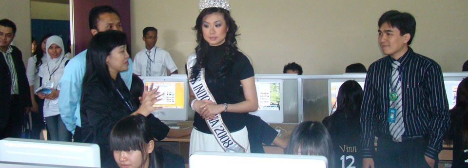 @MacLab with Miss Indonesia 2008